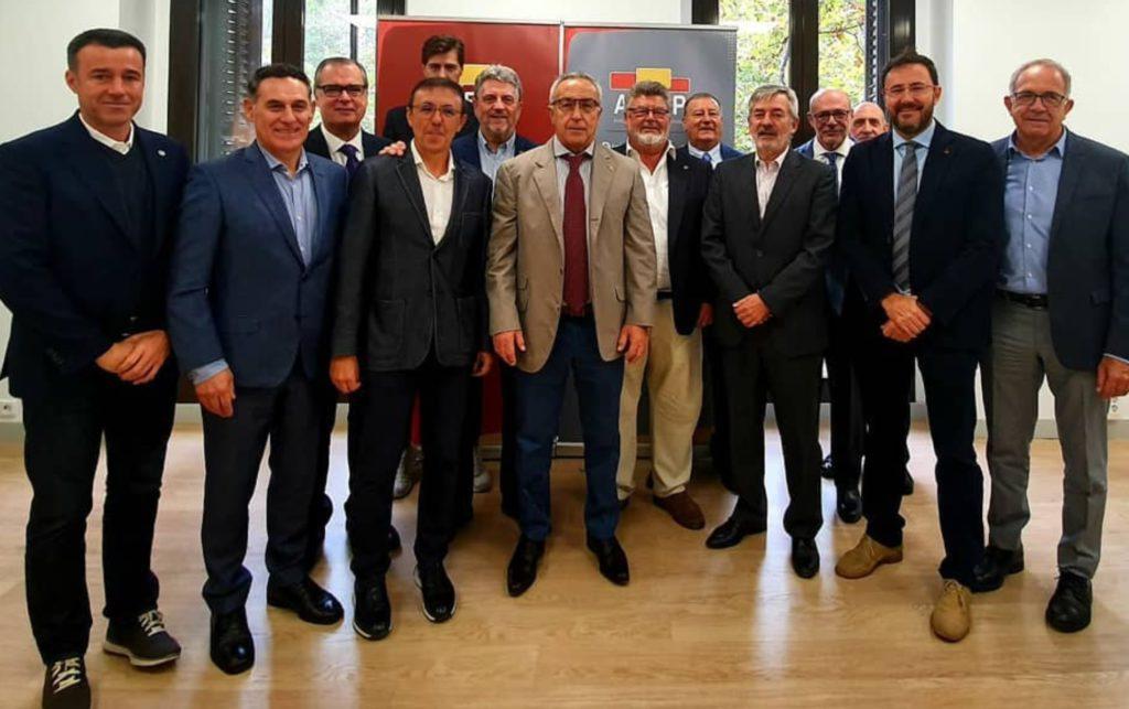El presidente del COE Alejandro Blanco asiste a la Junta Directiva de la Asociación del Deporte Español