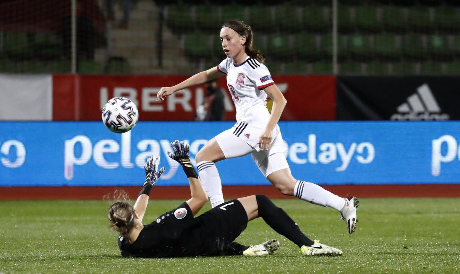 La internacional Eva Navarro debuta en la Selección y marca el gol que le hace cumplir un sueño