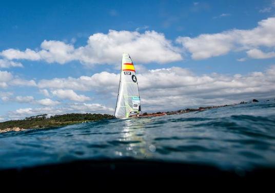 Embarcación española durante una competición (foto RFEV)