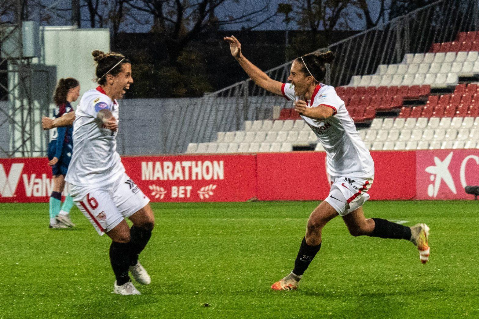 Virgy celebrando su gol para el Sevilla