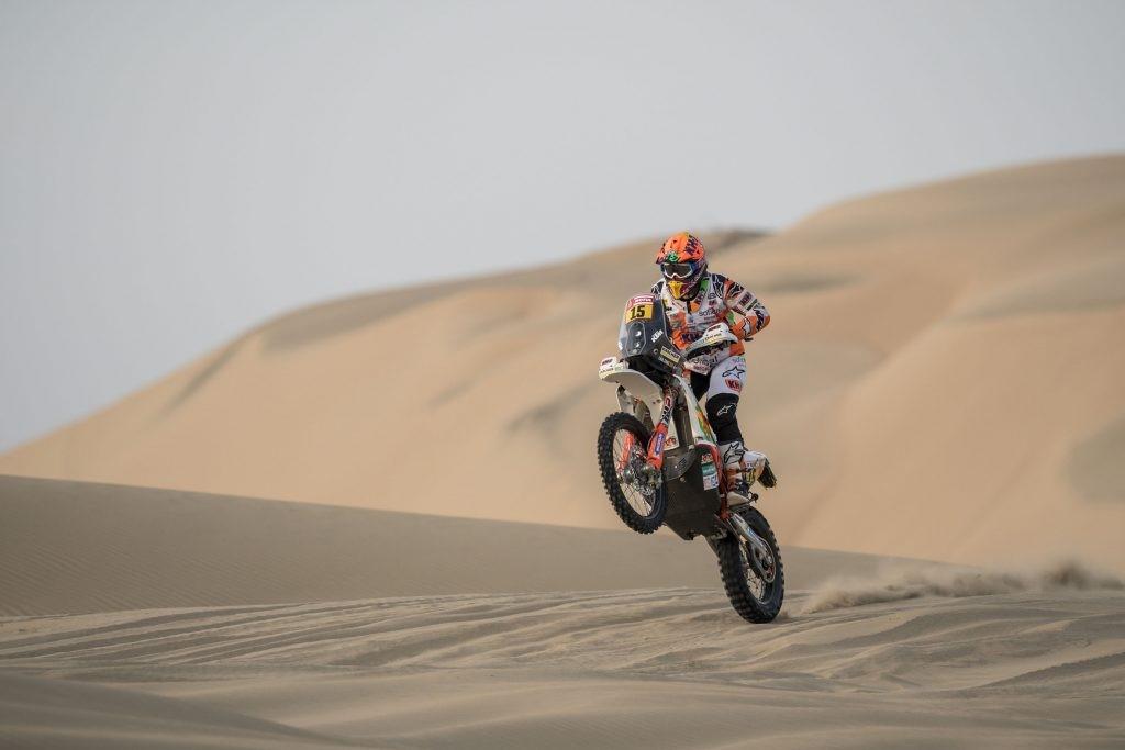 Laia Sanz durante el Dakar