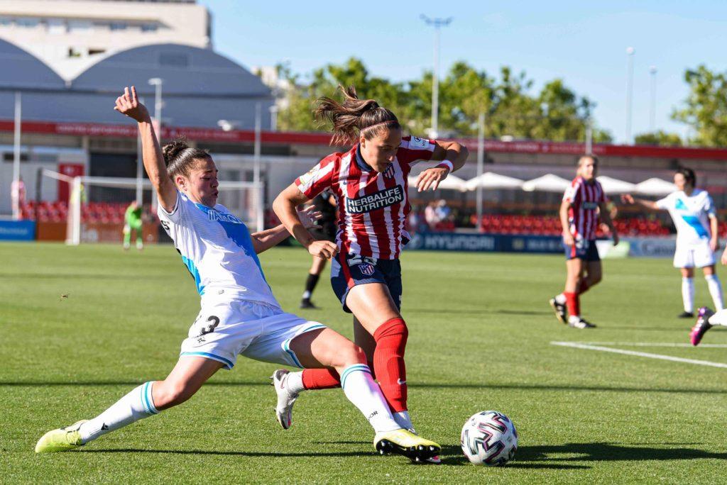 Noelia Villegas y Alejandra Bernabé en el partido del Dépor vs. Atlético