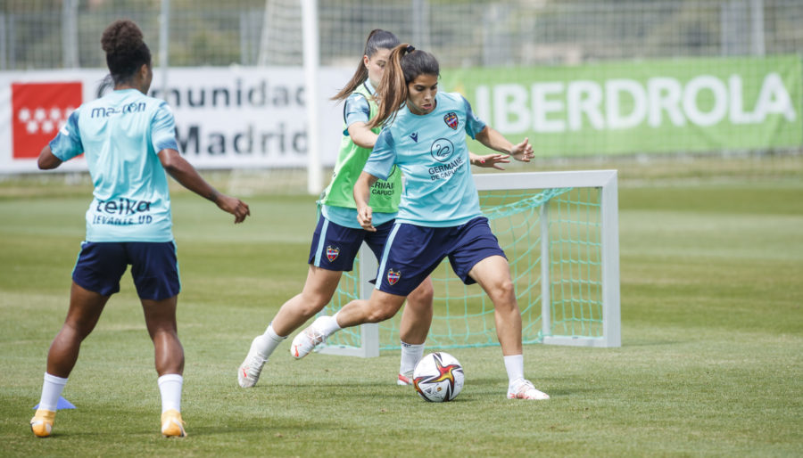 Ordega Francisca, Alba Ferrer, jugadoras del Levante