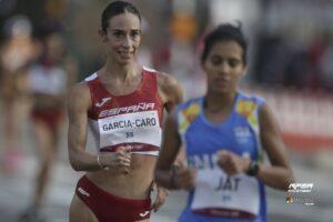 Laura García-Caro durante la carrera (Miguelez Team, RFEA)