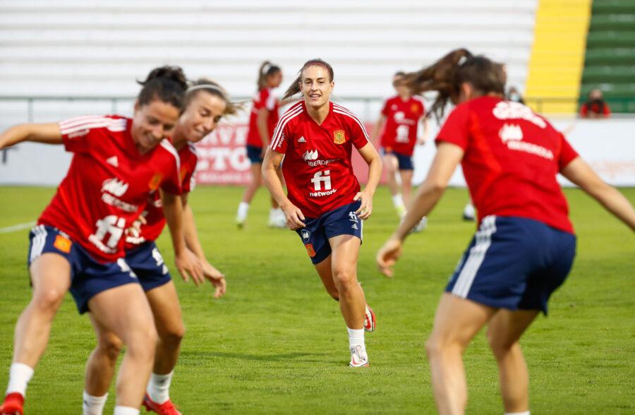 Futbol femenino fecha caducidad. Entreno-Caceres Selección Española