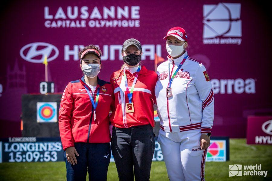 Andrea medalla copa mundo cuerpo (1)
